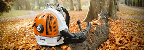 Impressive blowing force – the professional blower STIHL BR 700